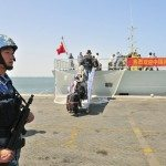 kapal China di pelabuhan Aden (Reuters)
