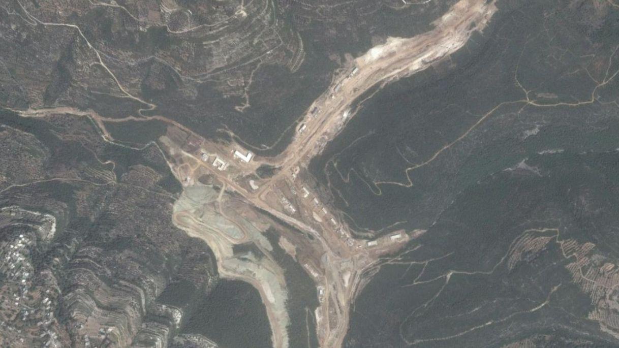 pabrik rudal iran di suriah