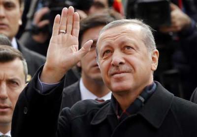 ardogan-melambai