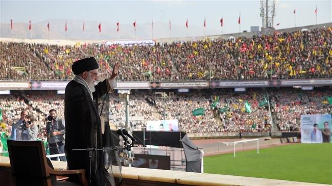 khamenei dan basij 2