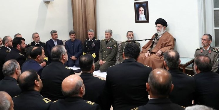 khamenei dan para perwira